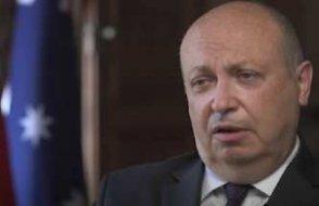 Fransa'nın geri çağrılan büyükelçisi, Avustralya'dan ayrıldı