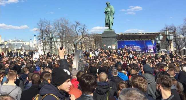 'Hırsız Putin': Rusya'da Duma seçim sonucu protesto edildi