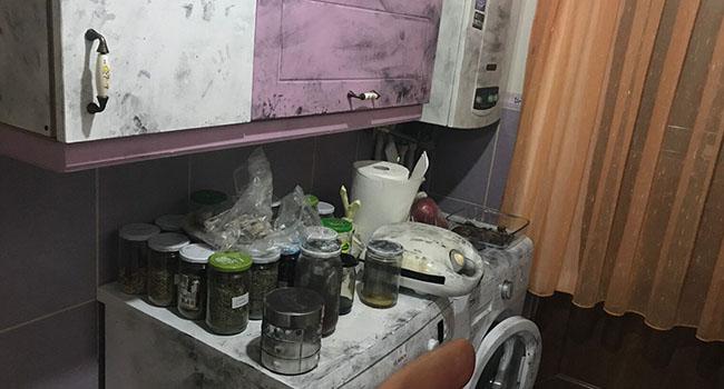 İstanbul polisinden 3 çocuğa siyah karbon işkencesi: İşte o evin fotoğrafları