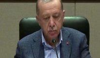 Erdoğan'dan dikkat çeken hareket: Gazetecilerin sorularına önündeki kâğıda bakarak cevap verdi