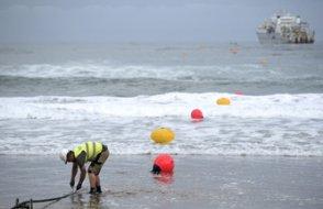 Dünyanın en uzun denizaltı elektrik kablosu döşeniyor