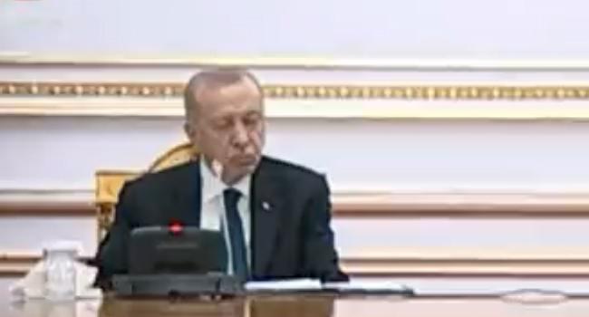 SP: Erdoğan'a kırmızı kart gösterilmeli