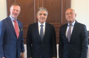 Abdullah Gül'den dikkat çeken görüşme