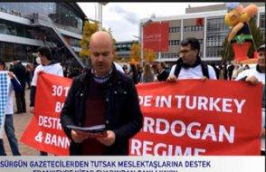 Sürgün gazeteciler, Frankfurt Kitap Fuarı'nda 'tutsak' arkadaşları için yürüdü