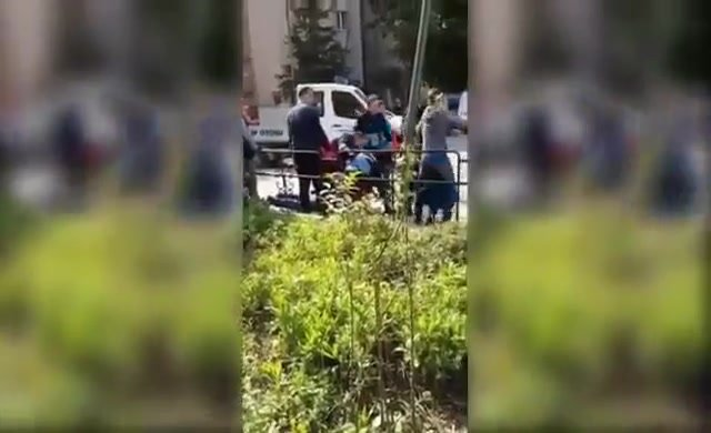Dört zabıta, seyyar pilavcıyı sokak ortasında dövdü