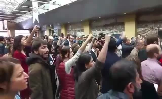 Kahraman'a protesto, 'Hırsız katil AKP' sloganları