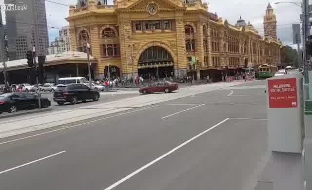Avustralya'da ilginç bir saldırı: 4 kişi öldü