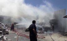 İstanbul'da büyük yangın! Kağıt deposu...