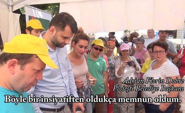 Romanya'daki Hizmet Gönüllüleri, festivallerde gönül yapmaya devam ediyor