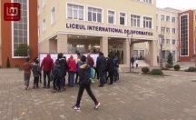 Romanya'da hizmet okulu sınavına 17 bin çocuk girdi