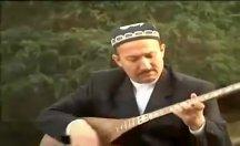 Uygurların dünyaca ünlü halk ozanı Abdurehim Heyit