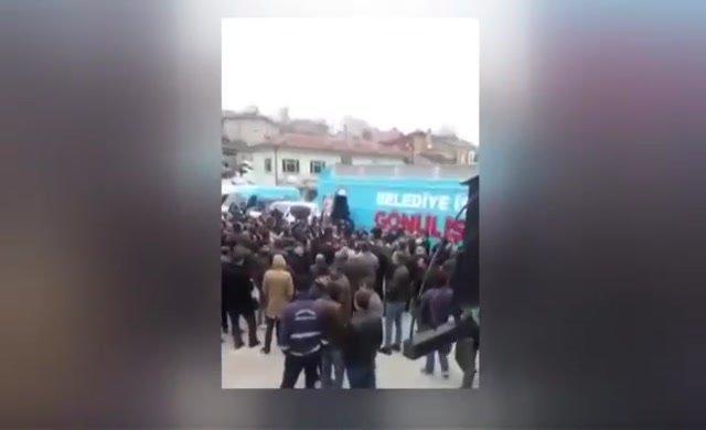 AKP yüzde 82 oy aldığı yerde yuhalandı