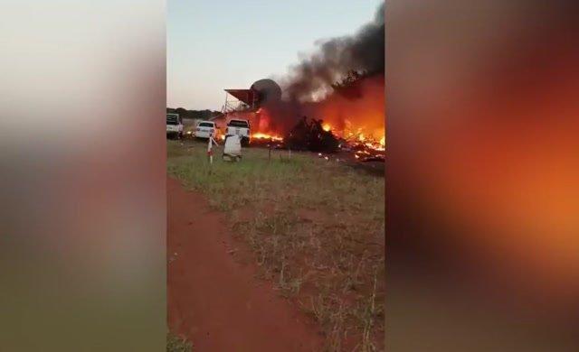 İnanılmaz olay! Eşine öfkelendi, uçağıyla binaya çarptı