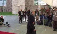 Merkel Berlin'de May'i karşılamadı