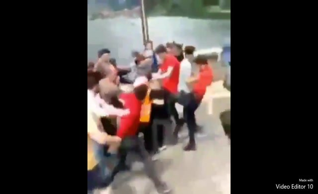 Kürdistan atkısı takan Iraklı turistler Trabzon'da linç edildi