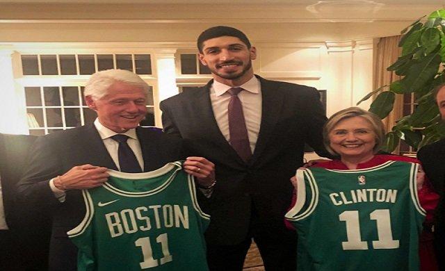 Clinton çifti, Enes Kanter'i evinde ağırladı