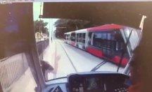 Tramvay 15 yaşındaki çocuğa çarptı