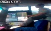 Otobüs sürücüsünün hareketi pes dedirtti