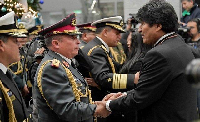 Bolivya'da asker muhtıra verdi, Başkan Morales istifa etti!