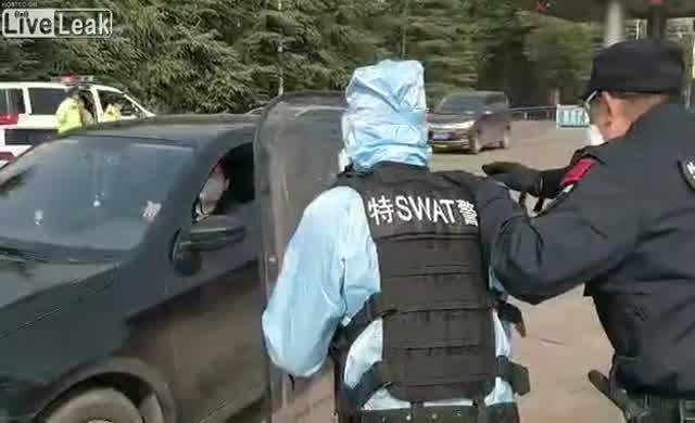 Çin polisi tedbiri işini biraz abarttı