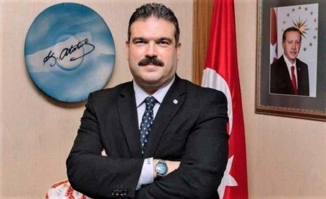 Erdoğan'a 'Reis' diyen rektör!