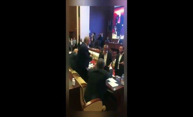 Mansur Yavaş belgeleriyle açıkladı! AKP'li Meclis üyeleri üzerine yürüdü