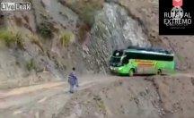 Bu otobüsü sürmek de yolculuk etmek de cesaret ister