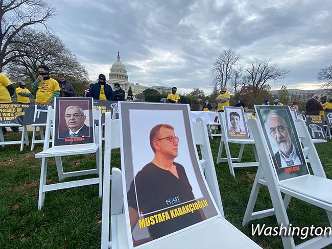 BM Önünde Beyaz Sandalye | Ali Emir Pekkan 2